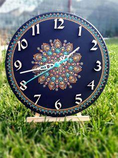 Wooden wall clock, painted with acrylics Diameter 20 cm Clock Painting, Dot Art Painting, Mandala Painting, Stone Painting, Painting Glass Jars, Glass Painting Designs, Clock Craft, Canvas Art Projects, Vinyl Record Art