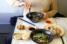 Chez Van, un resto chinois à volonté pour MOINS DE 10 € : Un vrai festin chinois , attention victime de son succès ! Tout est fait maison , même les nouilles !