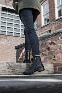 7953fb8a7e362 146 Best Boot Season images in 2019 | Chukka boot, Apartments ...
