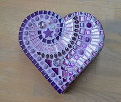 Beautiful heart shaped wooden box covered with purple glass mosaic, mother of pearl, glass drops, crystals and beads. The inside of the box remains Mosaic Rocks, Mosaic Stepping Stones, Mosaic Tile Art, Mosaic Crosses, Mosaic Artwork, Mosaic Diy, Mosaic Crafts, Mosaic Projects, Stone Mosaic