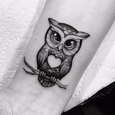 Pin by danielle zack on tattoos eulen tattoo, motten tattoo, Baby Owl Tattoos, Cute Owl Tattoo, Owl Tattoo Small, Cute Tattoos, Beautiful Tattoos, Black Tattoos, Body Art Tattoos, Sleeve Tattoos, Tattoos For Guys