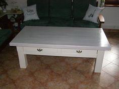 stůl po tom