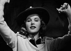 Peggy Cummins in Gun Crazy (Joseph H Lewis, 1950) viatiredtangerine