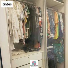 Quem ficou super curioso para ver a #transformação do #closet da @raquel_sitonio? Aqui estão as fotos do #antesedepois. Vocês podem notar que ele estava arrumado mas não #organizado. É o que sempre digo: não basta ser lindo deve ser organizado. Esse foi um projeto da @andreacalabriaarquitetura e execução da @bontemporecife.  Aguardem o #proximopost !! . #ligiapessoaorganizer #personalorganizerrecife #blusas #calça #camisas #vestido #parceria #consultoriadeimagem #modaeestilo…