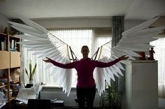Costume Anime Complete cosplay tutorial to craft articulated angel wings from wood and foam. - Complete cosplay tutorial to craft articulated angel wings from wood and foam.