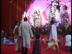 Kajol visits maha Durga pooja pandal.