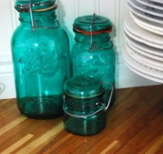 this started out as a clear glass jar. a mixture of mod podge, a