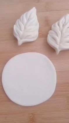 Fondant Flower Tutorial, Fondant Flowers, Cake Decorating Videos, Cake Decorating Techniques, Pie Crust Designs, Diy Air Dry Clay, Amazing Food Art, Creative Food Art, Food Carving