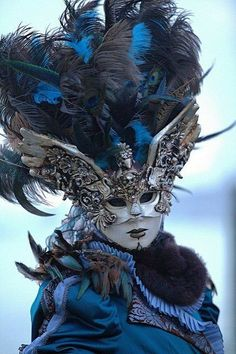 Venice Carnival Costumes, Venetian Carnival Masks, Carnival Of Venice, Venetian Masquerade Masks, Costume Carnaval, Masquerade Costumes, Masquerade Ball, Venice Carnivale, Venice Mask