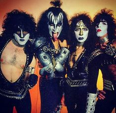 Vinnie Vincent, Eric Carr, Kiss Pictures, Kiss Photo, Kiss Band, Hot Band, Gene Simmons, Rock Of Ages, Alabama Football
