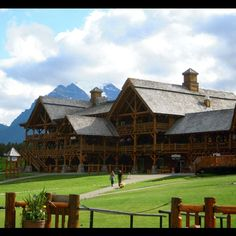 Lake Louise Ski Lodge