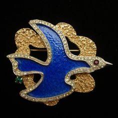 Vendome Cubist Brooch Inspired by Georges Braque Vintage Unusual Jewelry, Modern Jewelry, Vintage Pins, Vintage Jewelry, Georges Braque, Antique Brooches, Bird Jewelry, Beautiful Birds, Blue Bird