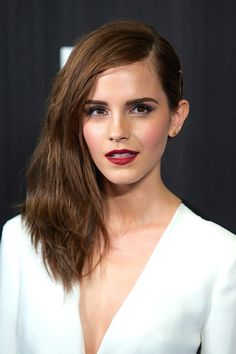 The best beauty looks of the week: Emma Watson. Vogue.com