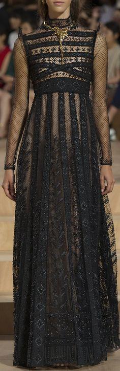 Valentino Couture Fall 2015 - http://www.valentino.com/us/women/fashionshow/lb-mirabilia-romae_section?lookid=156661