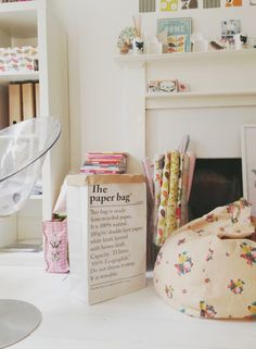 The paper bag/Le Sac en Papier | Tea and Kate http://www.oui-oui.es/decoracion/563-le-sac-en-papier-the-paper-bag.html