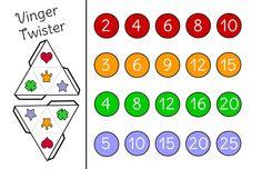 Vinger Twister #joepspel Knip de dobbelstenen uit en speel twister met je vingers!