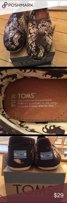 💯%TOMS Men's Classic lactman color choco paislay 10002297 size 11.5 comes with box & dust bag sticker made in China note price is firm Toms Shoes Loafers & Slip-Ons