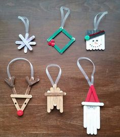 Diy mini popcicle stick ornaments! My 3 year old helped make these! SO much fun!!