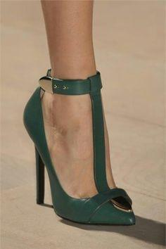 Trendy High Heels For Ladies : Marios Schwab shoes, heel, high heels, pumps, stilettos heels. Stilettos, Stiletto Heels, Women's Pumps, Hot Shoes, Crazy Shoes, Me Too Shoes, Black Shoes, Zapatos Shoes, Shoes Heels