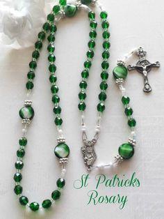 St Patrick Rosary Green Preciosa Czech Crystal by FaithExpressions Catholic Jewelry, Rosary Catholic, Catholic Gifts, Gold Rosary, Rosary Beads, Prayer Beads, Irish Catholic, Rosary Bracelet, Crucifix