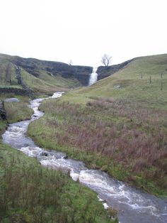 A rare sight, the top falls of Cray in full flood and flow. Yorkshire, Flow, Beautiful Places, Country Roads, Mountains, Travel, Voyage, Trips, Viajes