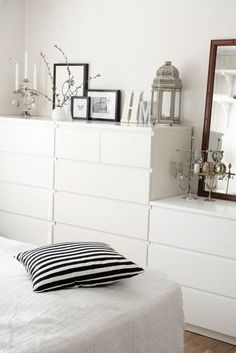 25 Minimalist Bedroom Styling Ideas for White Interiors is part of Ikea bedroom Storage - Decorating and styling ideas that will definitely keep your bedroom cozy and stylish Minimalist Bedroom, Minimalist Home, Minimalist Interior, Trendy Bedroom, Bedroom Neutral, Bedroom Modern, Home And Living, Living Rooms, Bedroom Decor