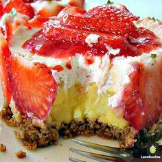 Strawberries and Cream Tiara - Lovefoodies#.U0bRvfmSxL2#.U0bRvfmSxL2