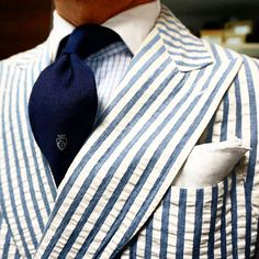 Last days to wear this summer jacket! #endofsummer#bespokesuit#suitorial#upperclass
