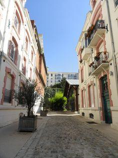 Villa Marcel Lods. Au niveau du 8, passage de l'Atlas. Paris 75019
