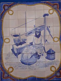 ALGARVE - PONTOS DE VISTA: Painéis de azulejos - Quarteira Portuguese Culture, Portuguese Tiles, Algarve, Paint Tiles, Tile Panels, Spanish House, Delft, Byzantine, Sea