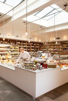 Farmshop in the Brentwood Country Mart is welcoming a new addition to Jeff Cerciellos restaurant and bakery: a full-scale artisan market. Design Café, Cafe Design, Store Design, Interior Design, Light Design, Bakery Design, Restaurant Design, Boutique Patisserie, Brentwood Country Mart