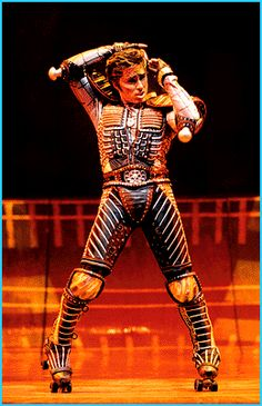 Drue Williams as Greaseball in the German production of Starlight Express.