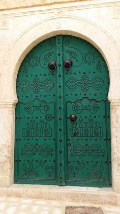 Door in la medina - Tunis