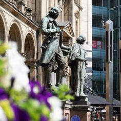 I had a nice #photo walk around #Leeds #city centre today in the fantastic #sunshine. Here is an image from #CitySquare featuring the #statues of #JamesWatt and #JohnHarrison. #IgersLeeds #IgersYorkshire #Leeds2023 #LeedsPhoto #loveleeds #Yorkshire #LeedsBID #IgersEngland #England #travel #tourism #tourist #leisure #life #art #culture #history #education
