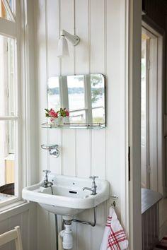 Has the same simplicity as my own mountain cottage bathroom  skargardsvilla3
