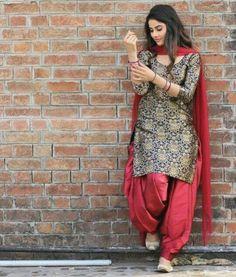 Salwar Designs, Patiala Suit Designs, Kurti Designs Party Wear, Punjabi Salwar Suits, Punjabi Dress, Indian Salwar Kameez, Churidar, Indian Suits Punjabi, Dress Indian Style