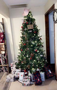 Western Christmas Tree, Holiday Decor, Home Decor, Decoration Home, Room Decor, Home Interior Design, Home Decoration, Interior Design