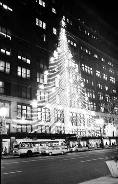 JL Hunson's Dept Store on Woodward Ave in Downtown Detroit