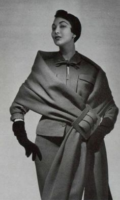 Jacques Heim Ensemble, 1954 Vintage Glam, Mode Vintage, Vintage Vogue, Vintage Style, 1950s Fashion, High Fashion, Women's Fashion, Unique Costumes, Costume Ideas