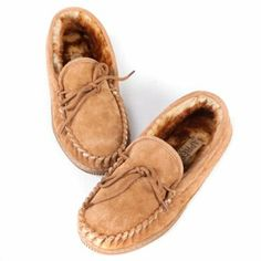 96e850bf243673 Lamo Mens Suede Moccasin Slippers - Chestnut - This comfy slipper features  a soft suede upper