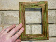 Retro fotorámeček ze dřeva zelený