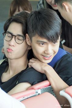 [ ohm x toey ] – 279 фотографий Book And Frame, Love Sick, Cute Gay Couples, Ulzzang Couple, Handsome Faces, Thai Drama, Lovey Dovey, Drama Series, Best Couple