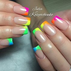 The advantage of the gel is that it allows you to enjoy your French manicure for a long time. There are four different ways to make a French manicure on gel nails. French Manicure Nail Designs, Diy Nail Designs, French Tip Nails, Nail Manicure, Diy Nails, French Manicures, Neon French Manicure, Nail Polishes, Rainbow Nails