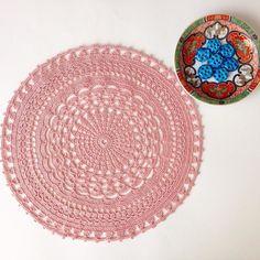 Biraz modeller biraz benden derken bitti... Inspired a bit from patterns and added a bit from me  [31.03.2016] İp/yarn: Yarnart Violet Tığ/hook: 2mm Dia/çap: 27cm #crochet #crochetaddict #instacrochet #crocheting #crochetdesign #haken #yarn #colorful #handmade #handicraft #craft #elişi #tığişi #dantel #lace #doily #crafts #crochetmandala #crochetdoily #yarnartviolet by madebymoz