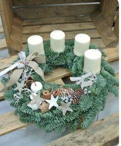 Christmas Door, Christmas Time, Christmas Wreaths, Christmas Decorations, Holiday Decor, Advent Wreath, Christmas Arrangements, Mesh Wreaths, Christmas Flower Arrangements
