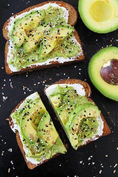 Easy Everything Bagel Avocado Toast Recipe