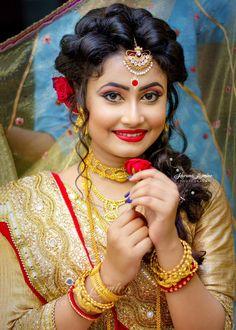 indian wedding hair in - weddinghair Bengali Bridal Makeup, Bridal Hairstyle Indian Wedding, Indian Wedding Makeup, Indian Wedding Bride, Bengali Wedding, Wedding Girl, Bridal Makeup Looks, Hair Wedding, Bridal Beauty