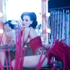 Dita Von Teese- Queen of Burlesque! Dita Von Teese Burlesque, Dita Von Teese Style, Dita Von Teese Lingerie, Vintage Burlesque, Vintage Lingerie, Dita Von Tease, Idda Van Munster, Boudoir, Estilo Pin Up