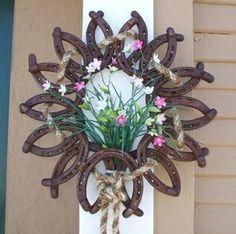 Horseshoe yard decor. #flowers