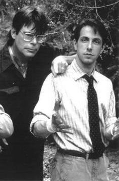 2 of the greatest! Stephen King and Clive Barker in a very cool pic.